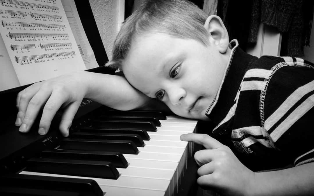 Beneficios de la estimulación musical temprana