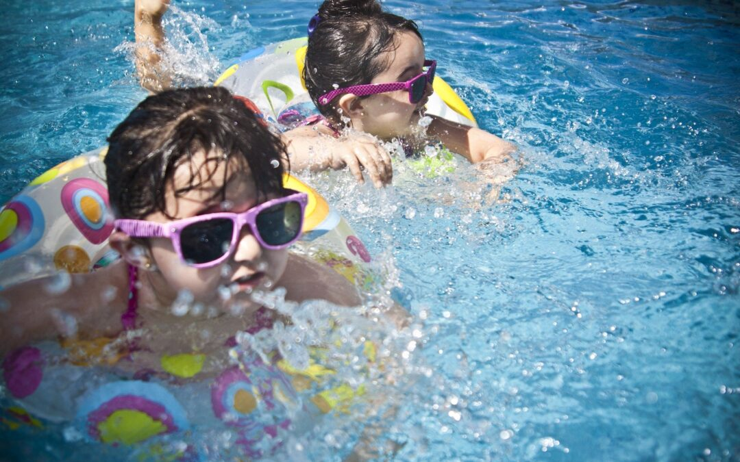 escuela de verano en centros infantiles agua